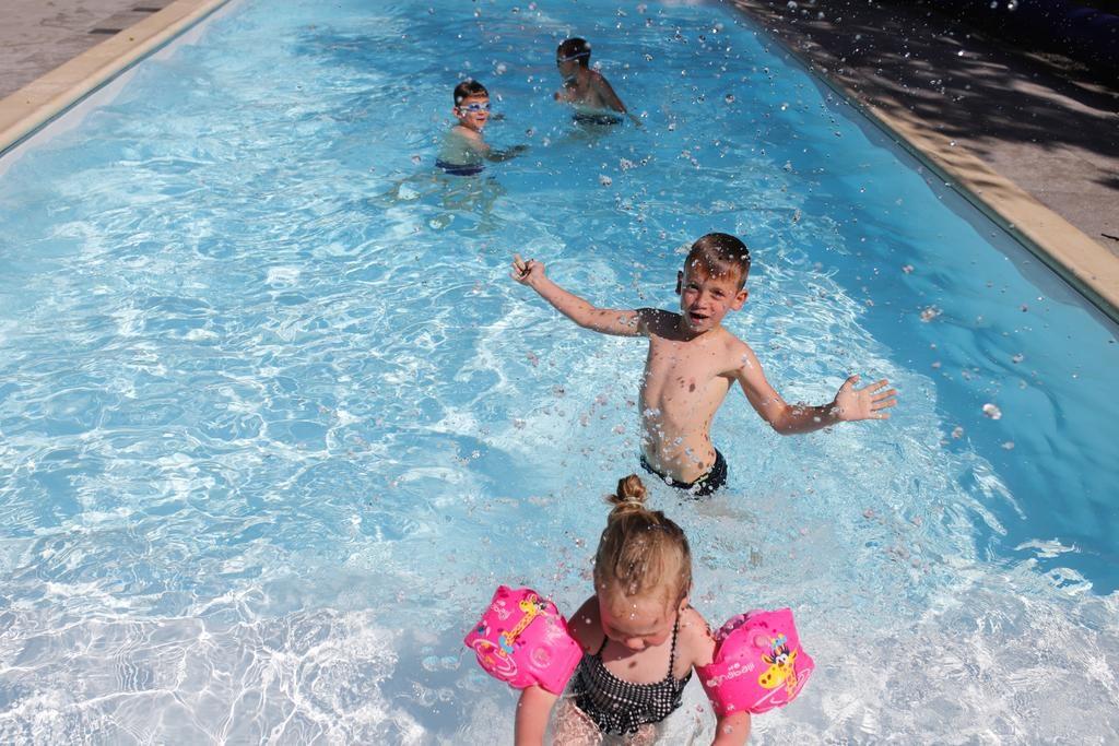 Dzieci w naszym basenie Willa Puck