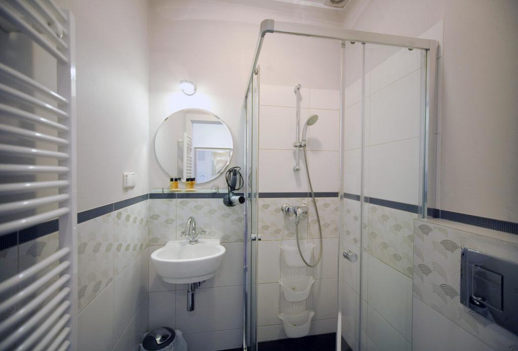 łazienka w pokoju 22 w willi puck